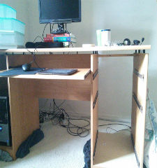 Green Guys Junk Removal provides desk removal in venice fl