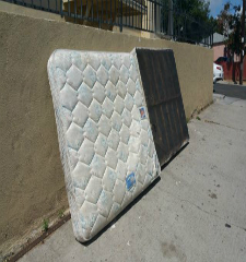Green Guys Junk Removal provides mattress removal in venice fl